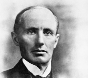PM Arthur Meighen, speaking in France in 1921, paid tribute to Canadians who died in the First World War.