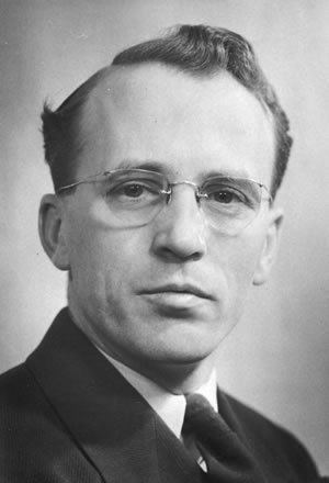 Master political orator Tommy Douglas provided Notes on Public Speaking